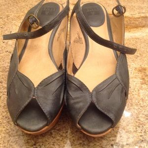 Frye Blair Peep Leather & Wood Sandal